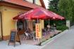 Kavárna - venkovní sezení zepředu