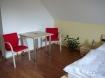 Dvoulůžkový pokoj - stůl s židlemi