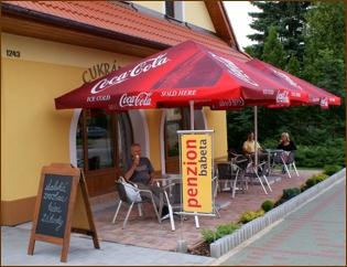 Penzion Babeta - Ubytování, apartmány, kavárna - venkovní sezení